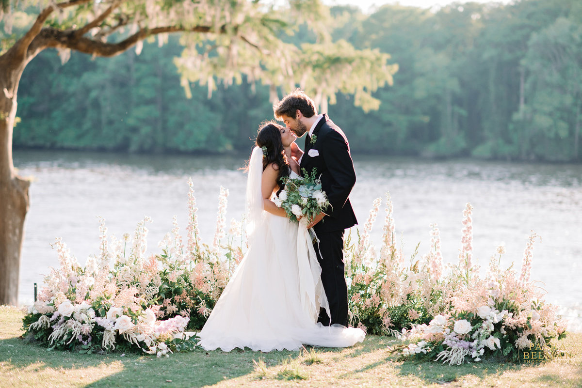 10 tips to hire your wedding photographer