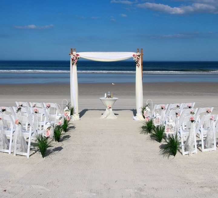 Tips to choose the best beach wedding locations on a budget