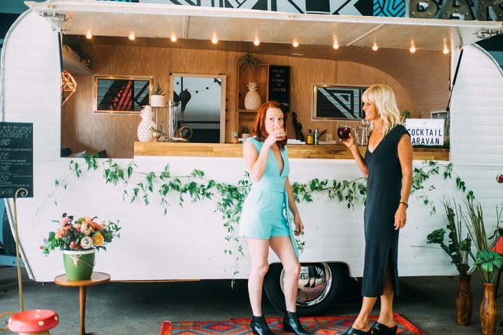 Tips to hire a mobile bar for your wedding