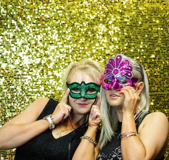 How and why to hire a photo booth?