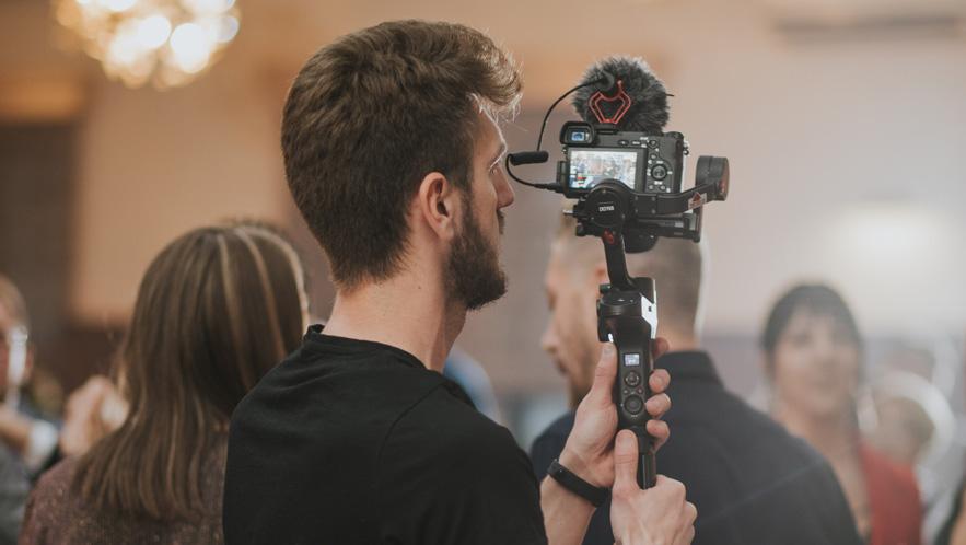 expert wedding videographer